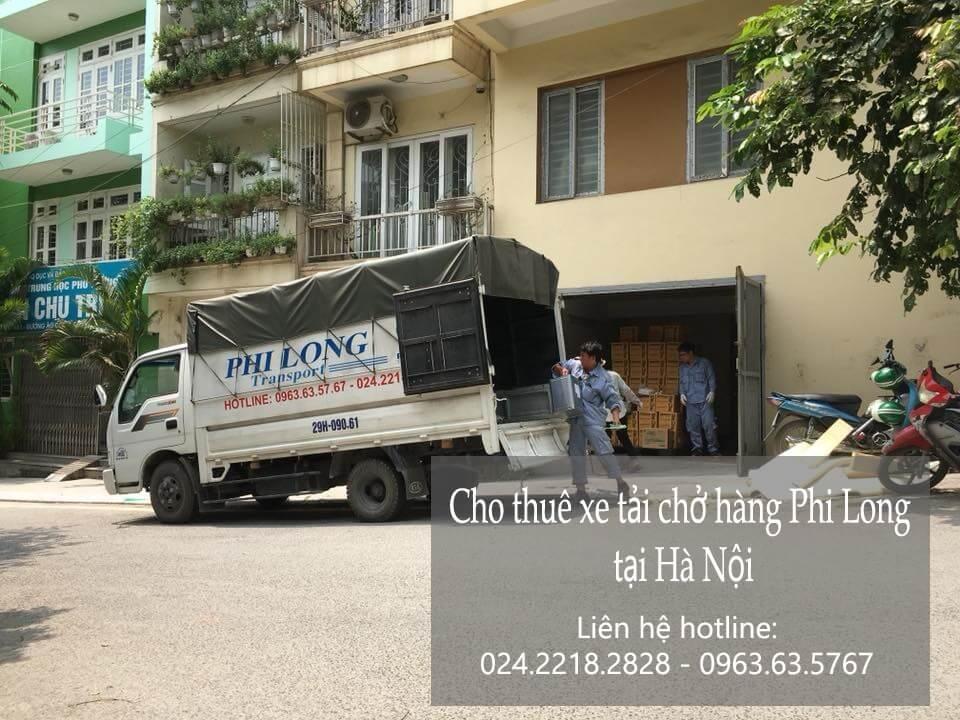 Xe tải chở hàng thuê tại phố Hàng Dầu