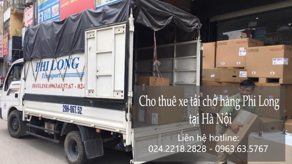 Xe tải chở hàng thuê tại phố Hàng Trống