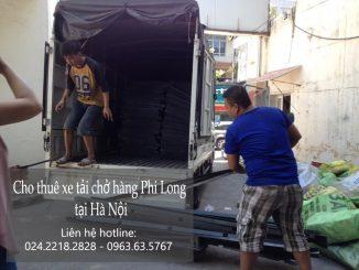 Xe tải chở hàng thuê tại phố Trấn Vũ
