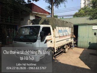 Xe tải chở hàng thuê tại phố Trạm