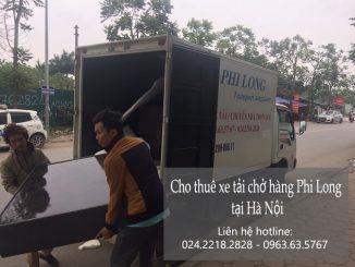 Xe tải chở hàng Phi Long tại phố Quần Ngựa