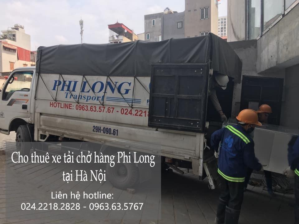 Xe tải chở hàng thuê tại phố Bắc Cầu