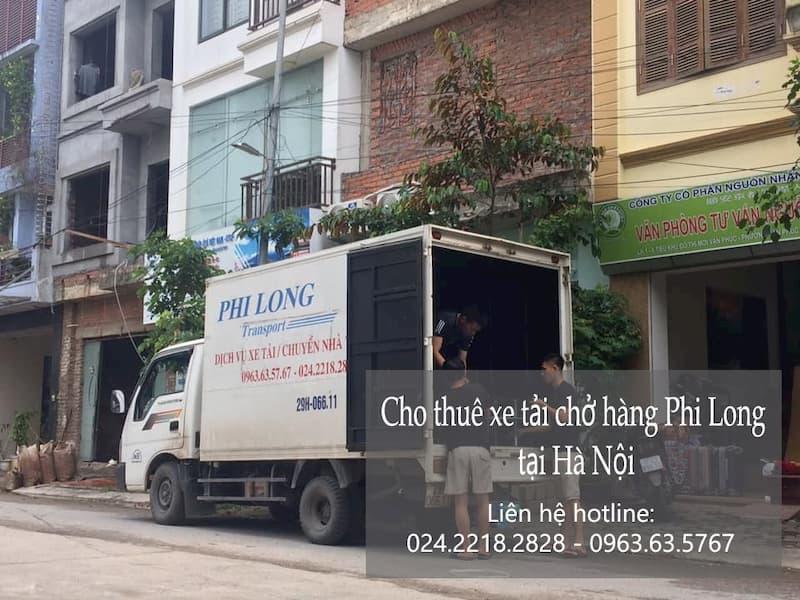 Xe tải chở hàng thuê tại phố Cao Xuân Huy