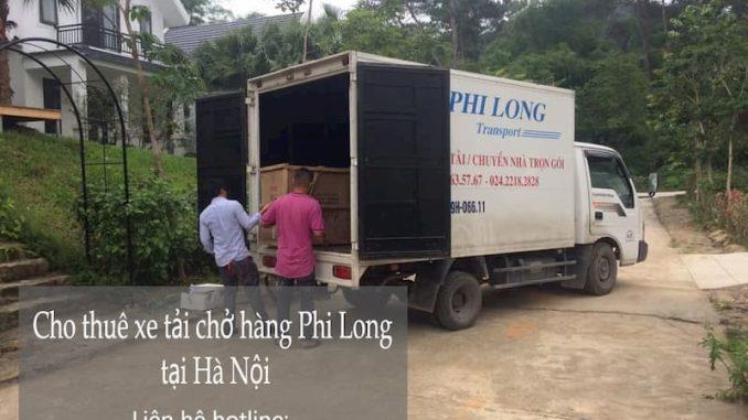 Xe tải chở hàng tại phường Khâm Thiên