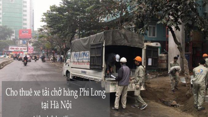 Xe tải chở hàng tại phường Phương Liên