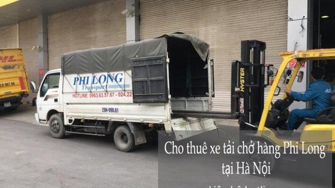 Xe tải chở hàng tại xã Hồng Sơn