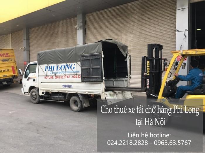 Xe tải chở hàng tết Phi Long phố Lê Duẩn