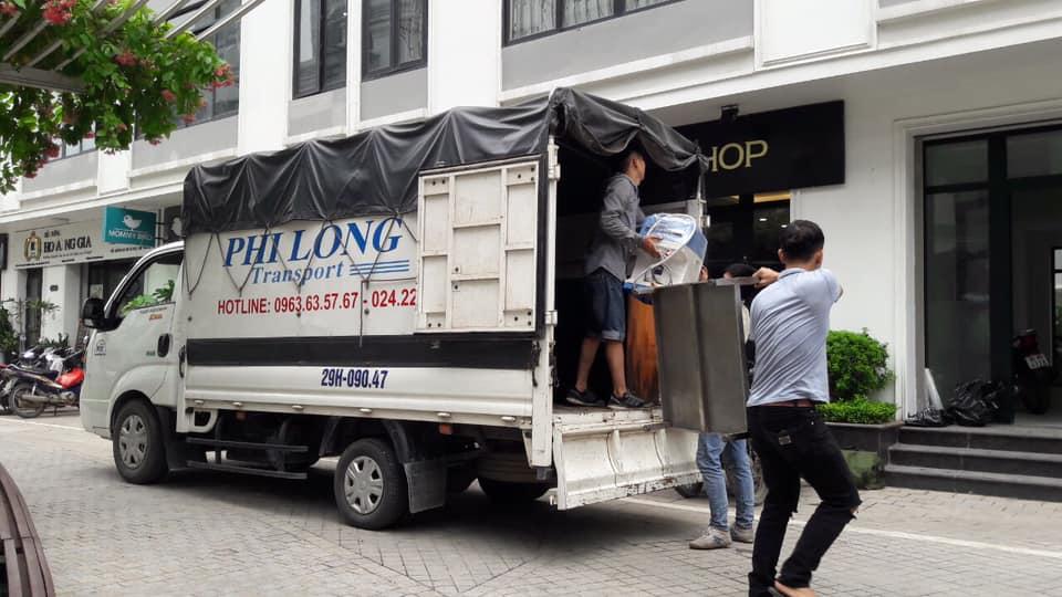 Xe tải chở hàng tại xã Đại Nghĩa
