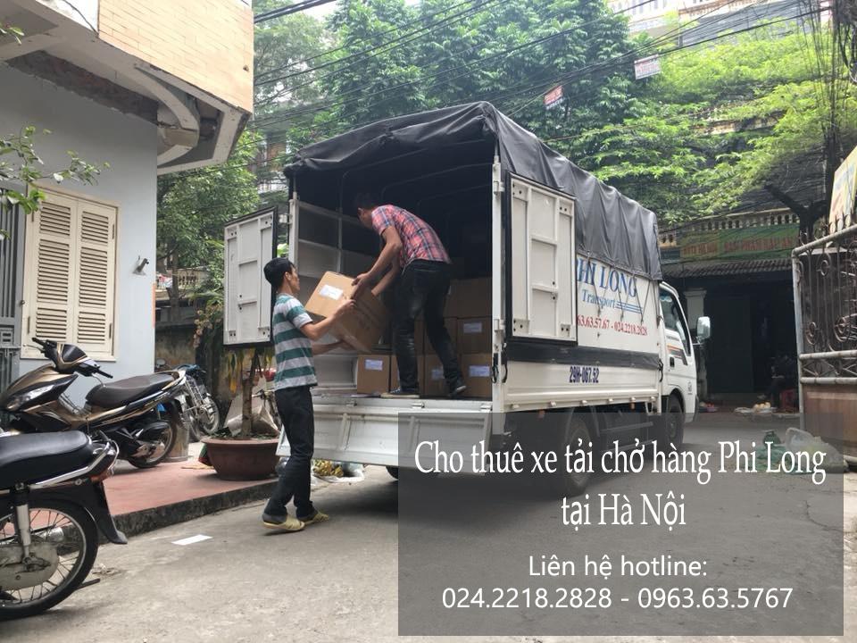 Xe tải chở hàng thuê Phi Long tại đường cầu bây